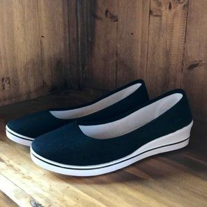 Women's B&CO Slip On Size 10 Casual Shoe